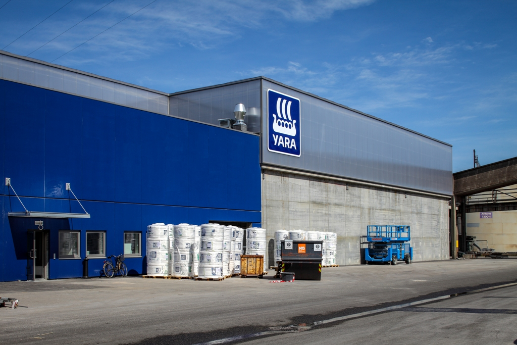 Yara Norge warehouse hall